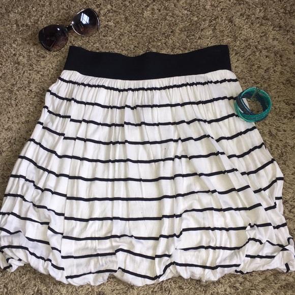 Lole Skirt Black Casual Elastic Waist Size S Euc Like Nu Women's Clothing